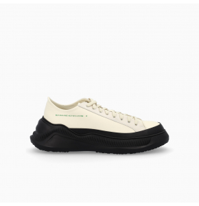 Free solo sneakers