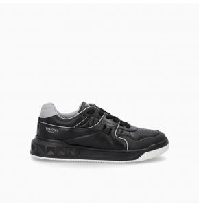 ONE STUD Low-Top nappa Sneaker