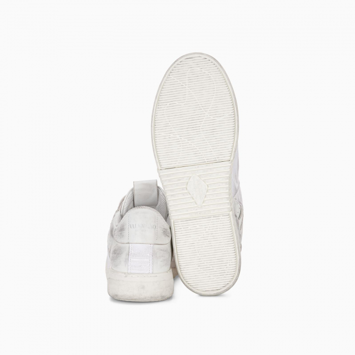 Low-top calfskin VL7N sneaker